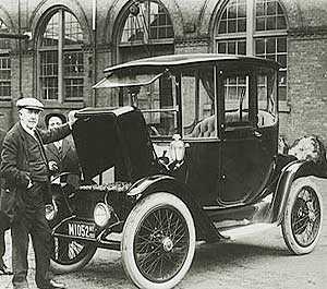 Who Invented The First Car >> First Electric Car Invented History